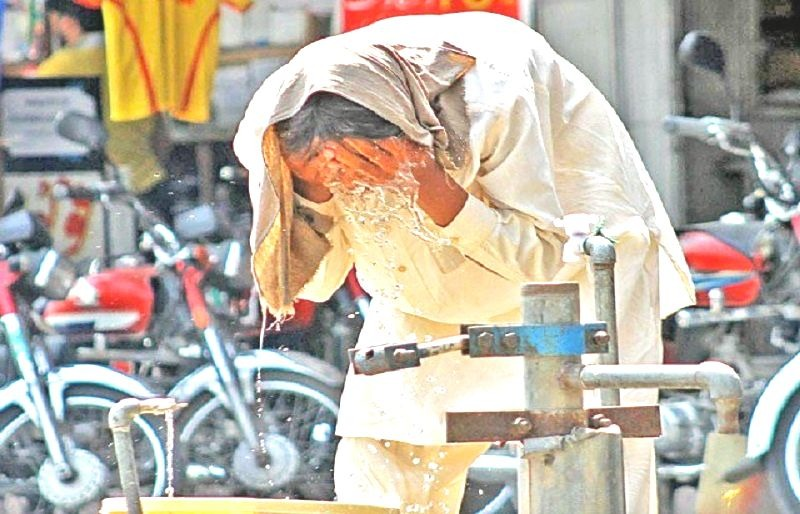 How to Avoid a Heat Stroke This Summer in Karachi